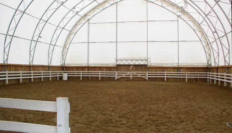 Ferme des sorbiers centre questre for Manege interieur